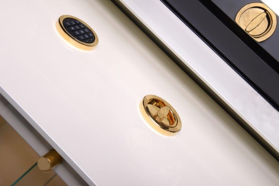 Luxus Tresor vergoldet
